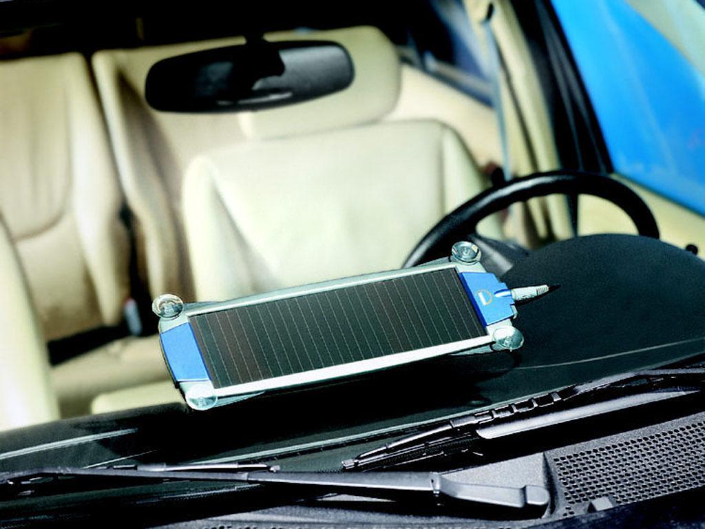 Solaranlage für die Autobatterie