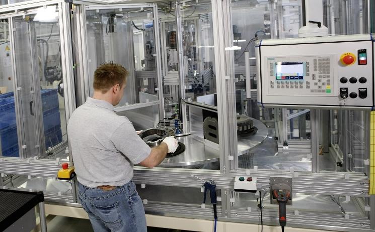 ZF eröffnet Produktionsstätte für Hybridmodule