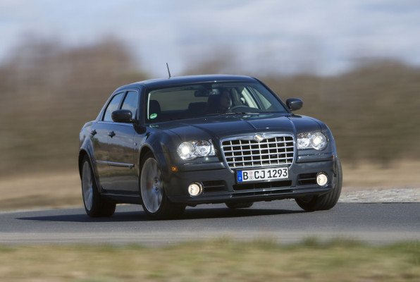 Chrysler 300 C SRT8 - der Bilderbuch-Macho
