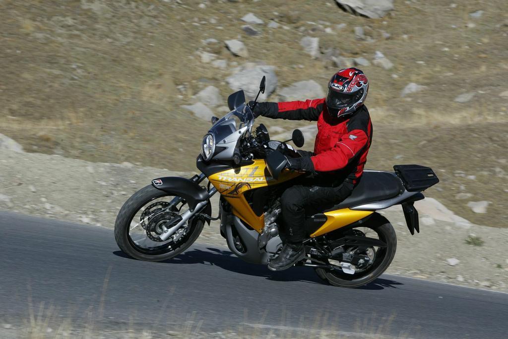 Fahrbericht Honda Transalp: Über die Alpen und dann immer weiter