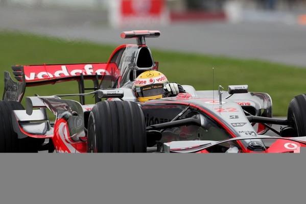 McLaren vs. Ferrari: Schrecksekunden & Parkplatzsuche