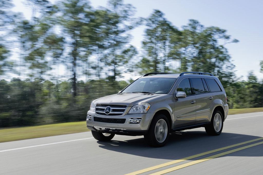 Mercedes-Benz führt in Amerika die ersten Diesel-Modelle mit AdBlue-Einspritzung ein