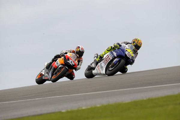 Rossi denkt Rennen für Rennen: Es ist so eng