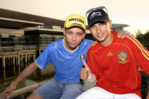 Rossi feiert wichtigen Startplatz: Lorenzo will einfach nur ins Ziel kommen