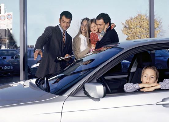Studie: Dem kleinen Autohändler gehört die Zukunft