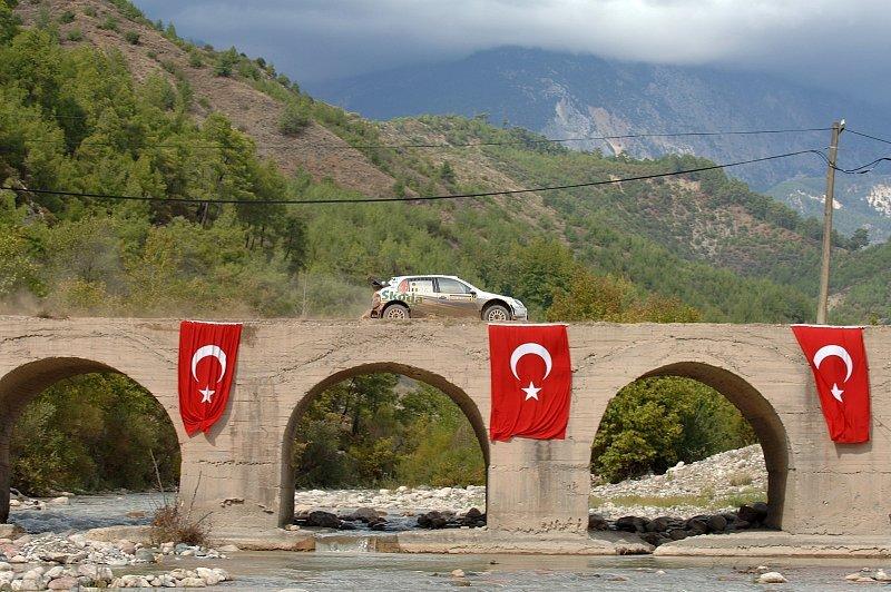 Türkei-Rallye im Schatten des Erfolgs: Motorsport gegen Fußball