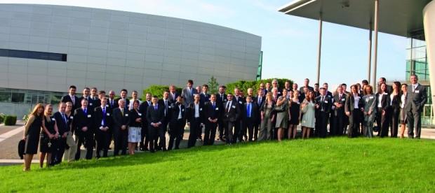 Volkswagen verleiht erstmals Diplom an internationale Verkäufer