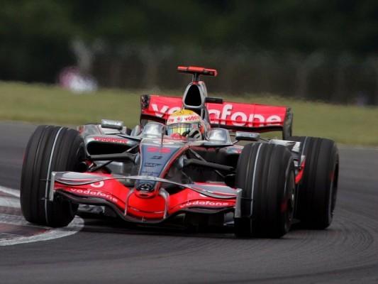 Hockenheim, Tag 1: Hamilton vor Räikkönen