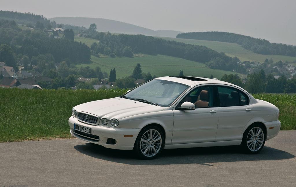 Jaguar X-Type mit 500 neuen Komponenten