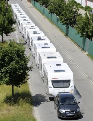 Mit 16 Dethleffs Caravans zum Weltrekord