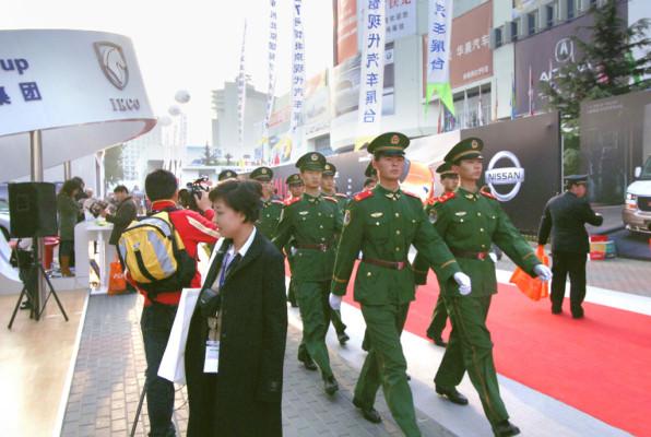 Straßenverkehr in China: Bei Olympia lieber fahren lassen