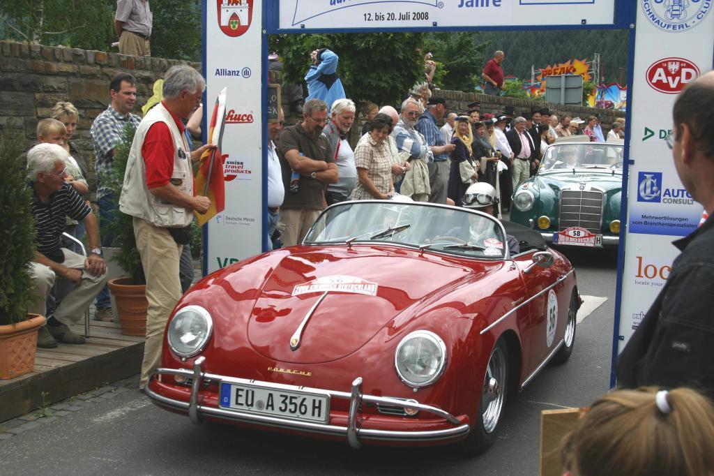 Zwischenbericht: Das rollende Oldtimer-Museum - 2 000 Kilometer Automobil-Geschichte