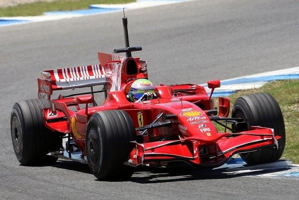 1. Training: Massa und Räikkönen vorne