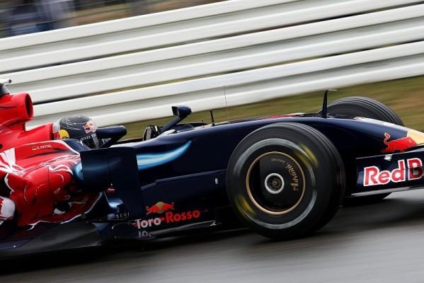 1. Training, Vettel mit erster Valencia-Bestzeit: Erste Erfahrungen
