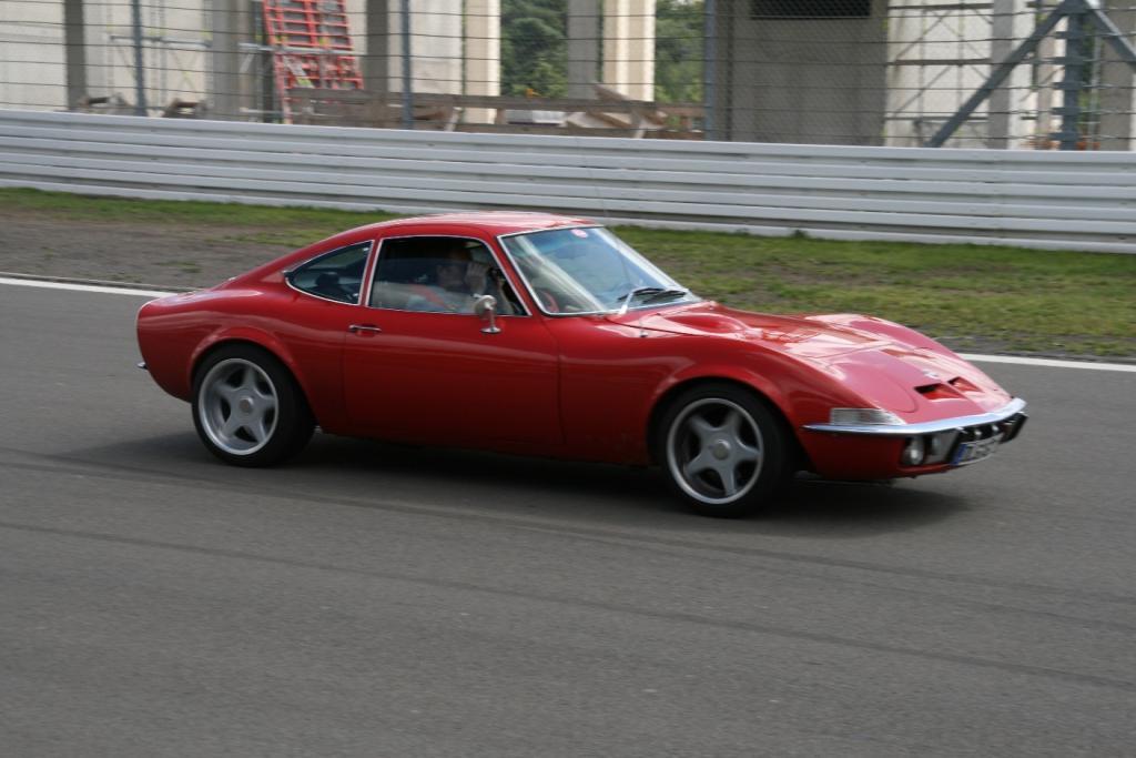 AvD-Oldtimer-Grand-Prix: Opel feiert den GT