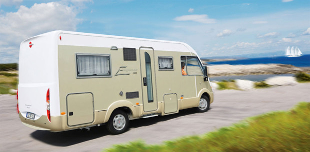 Caravan Salon 2008 - Reisemobile: Kompakte Raumwunder und komfortable Luxusliner   Teil 1