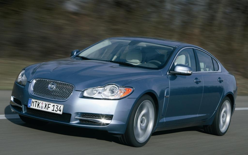 Evecars.com kürt Jaguar XF zum besten Oberklassemodell 2008