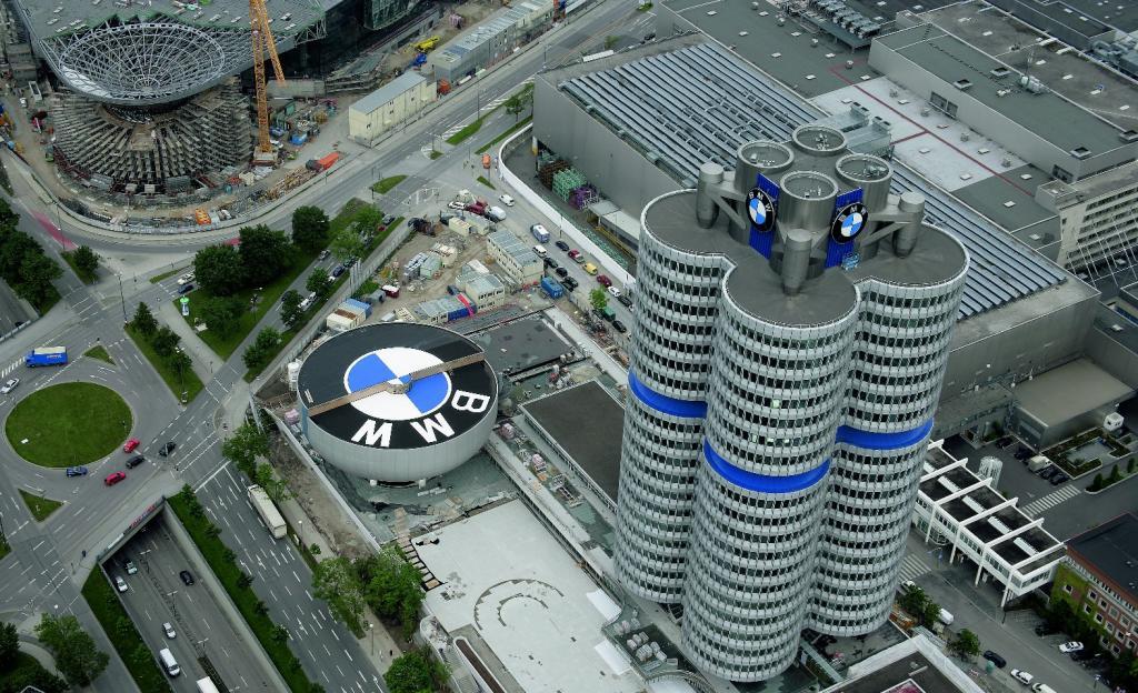 Feuerwehreinsatz in der BMW-Welt