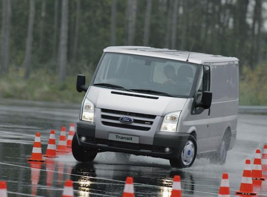 Flächendeckendes ESP könnte Unfallkosten um bis zu 16 Milliarden Euro senken