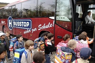 Kampagne: Sicher mit dem Bus zur Schule