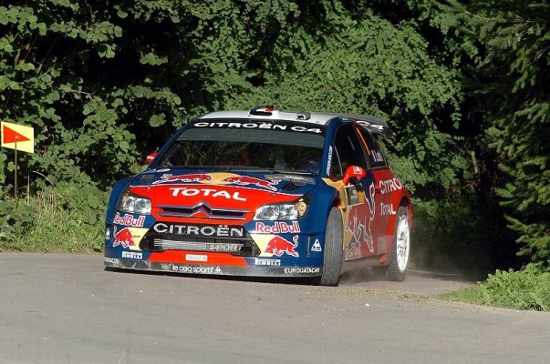 Loeb weiter in Führung bei Rallye Deutschland: Citroen dominiert zweiten Tag