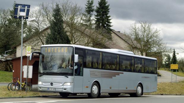 Recht: Vorfahrt bei Nutzung von Bus-Spuren
