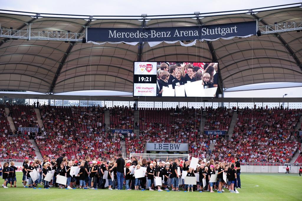 Stuttgarter Stadion wird zur Mercedes-Benz Arena
