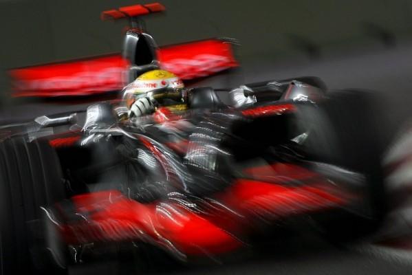 2. Training - Alonso schnappt sich die Bestzeit: Die Nacht lebt