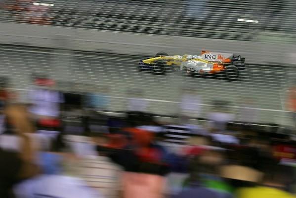 Alonso gewinnt in Singapur: Drama um Massa