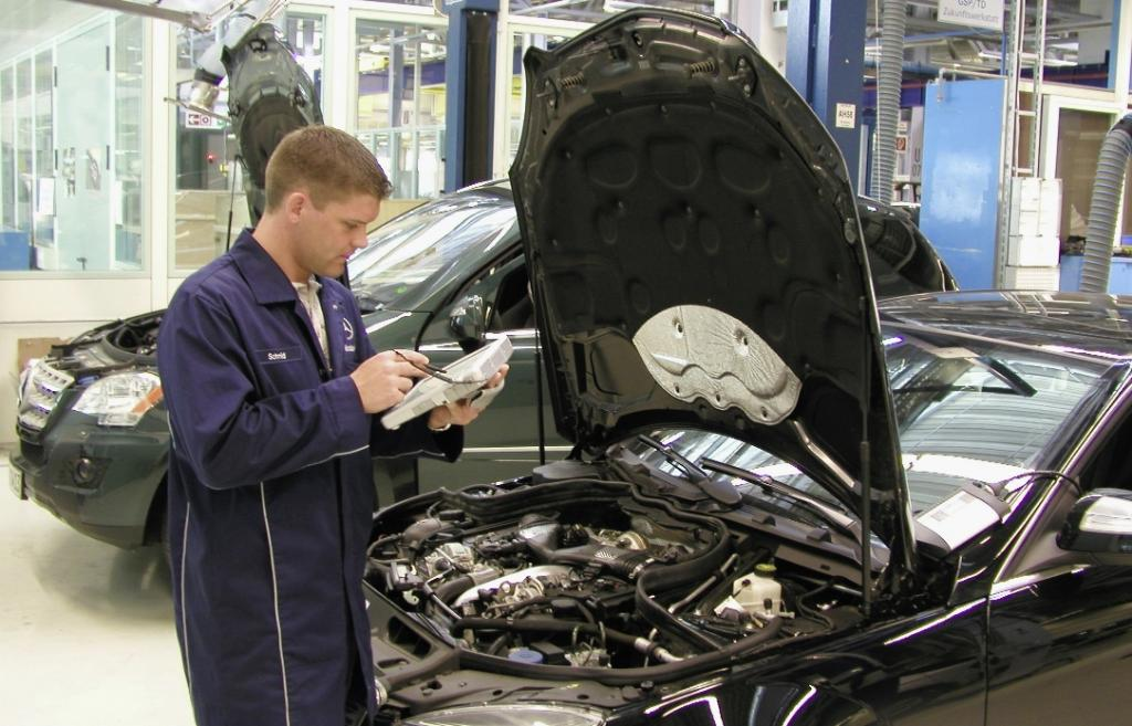 Automechanika: Mercedes-Benz zeigt Werkstattarbeiten live