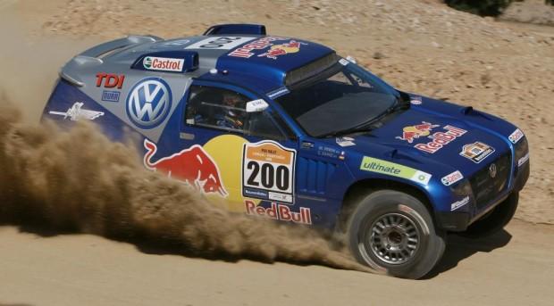 Dakar-Serie: Volkswagen und Mitsubishi gleichauf