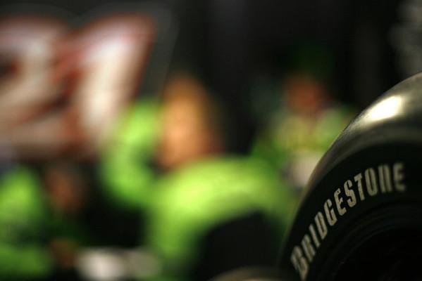 Der Einheitsreifen scheint Gewissheit: Bridgestone in Pole Position