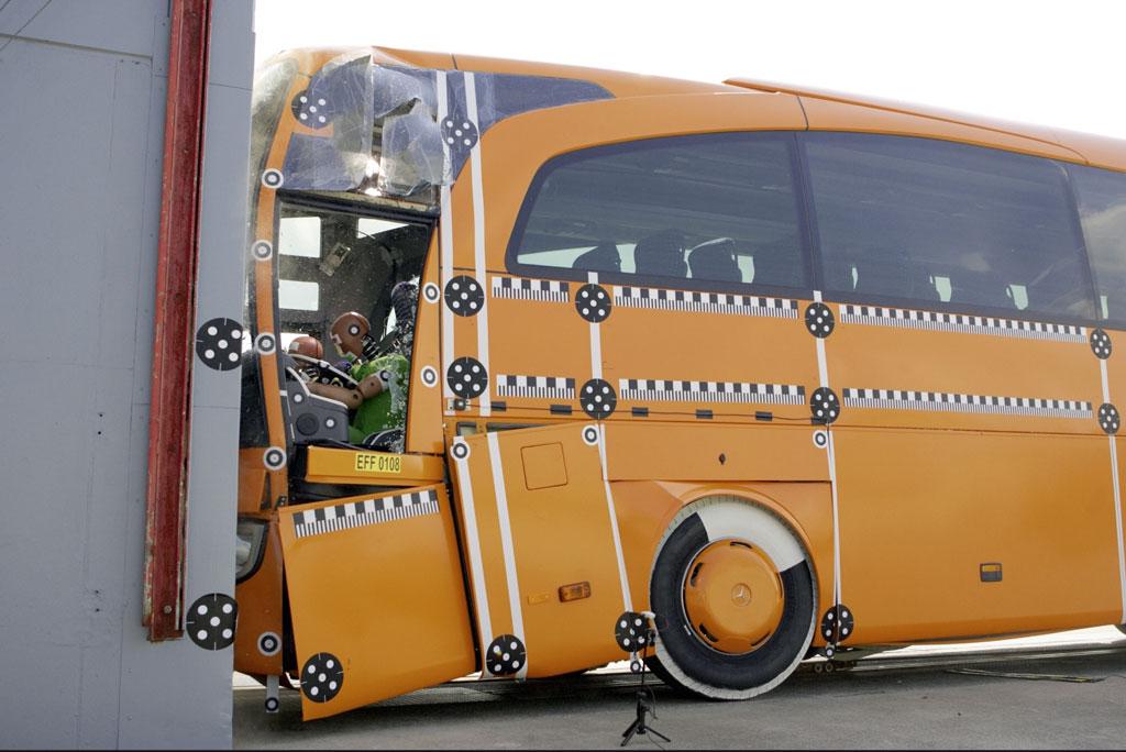 Deutliches Plus an Sparsamkeit und Sicherheit beim Mercedes-Benz Travego  - Bild(4)