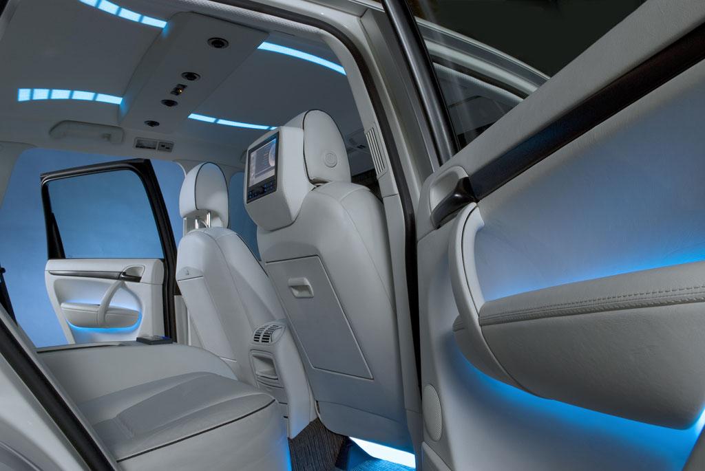 Lichtdesign im Fahrzeuginnenraum | Das Auto der Zukunft: Naturnahe Farben und haptische Erlebnisse Quelle: Strähle + Hess | Sellner Group, 2008