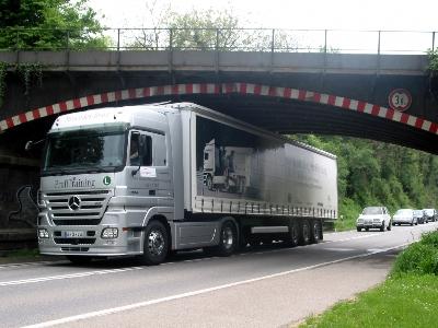 Navigation: Beim Lastkraftwagen zählt jeder Zentimeter