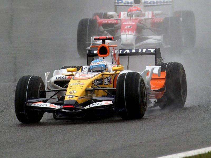 Renault schnappt Toyota: Beste Reifen zur besten Zeit