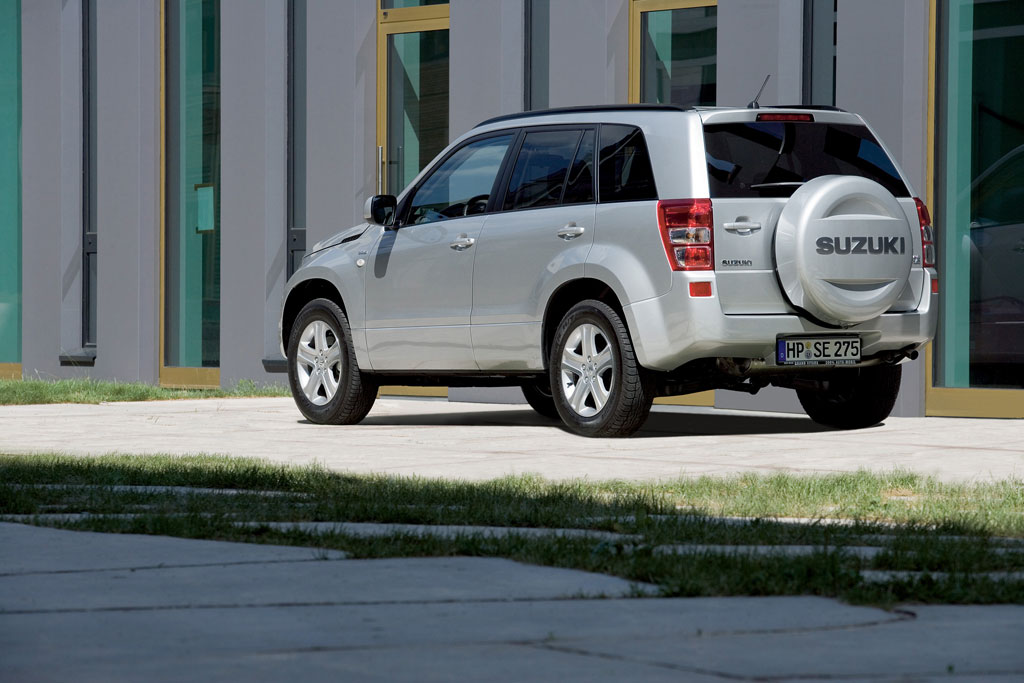 Suzuki Grand Vitara: Zum Zwanzigsten zwei Neue