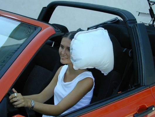 TRW stellt Kopfairbag für Cabrios vor