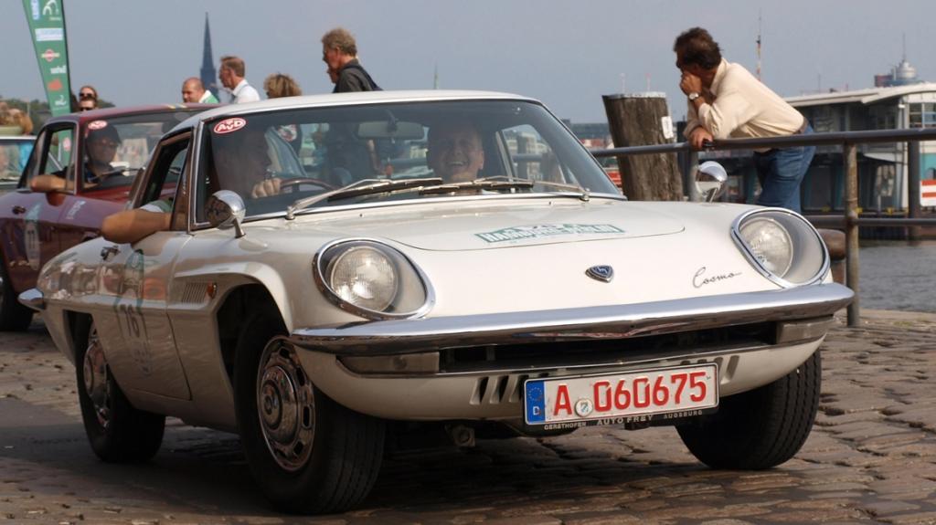 Tim Mälzer startete für Mazda bei 1. Auto-Bild-Klassik-Rallye
