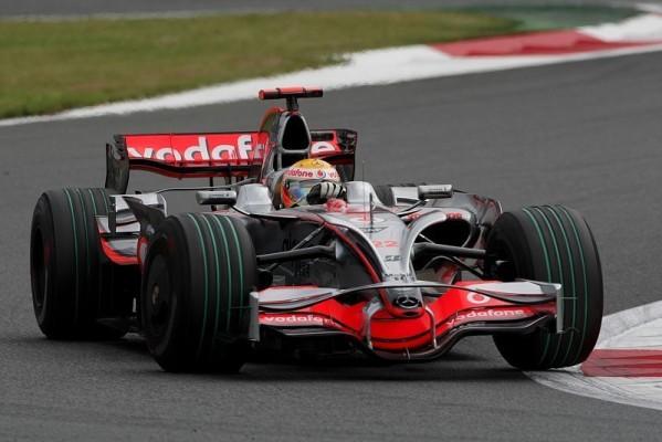 1. Training - Hamilton gibt die Pace vor: Konstant und schnell