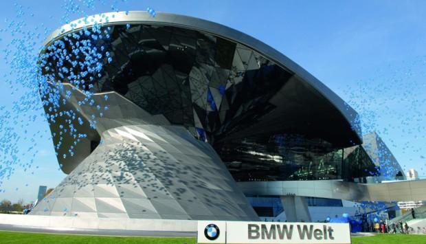 BMW Welt feiert den ersten Geburtstag