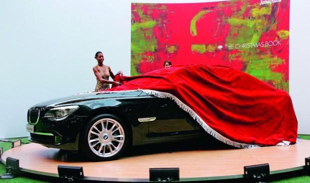 BMW lässt sich wieder bei Neiman Marcus einpacken