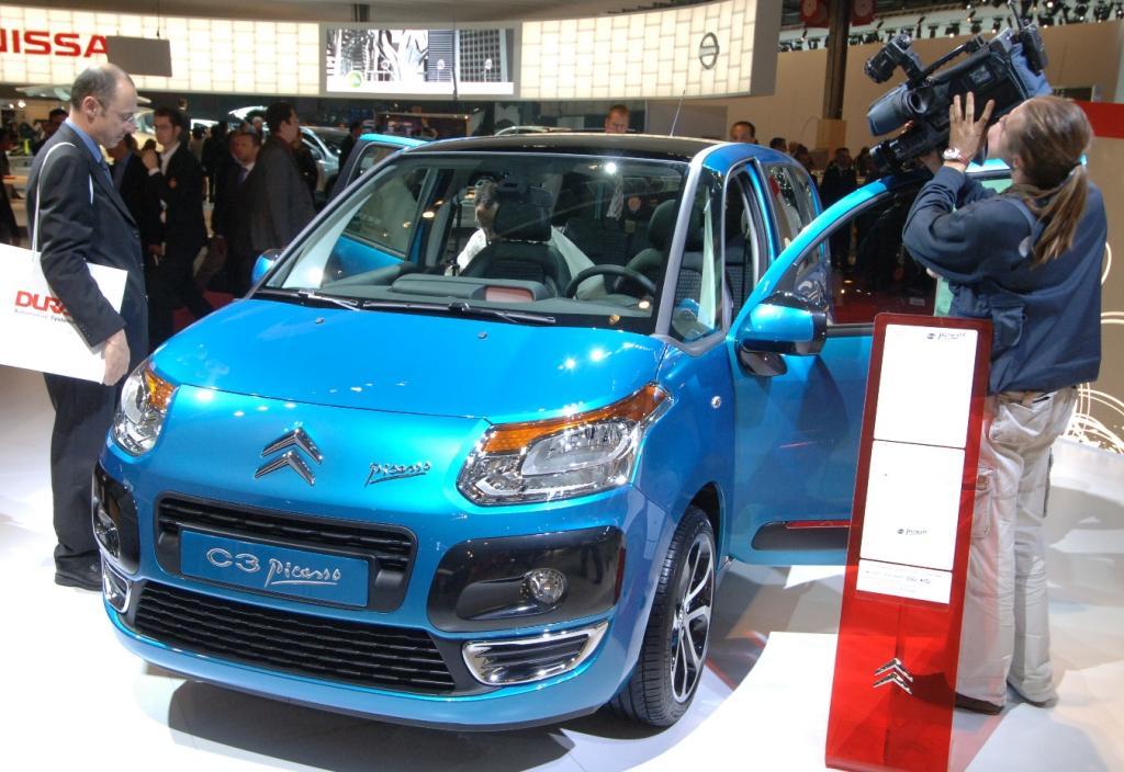 Citroën zeigt C3 Picasso und GT aus der virtuellen Welt
