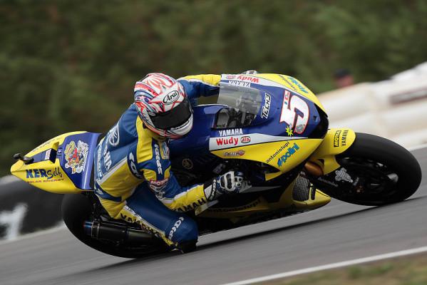 Edwards schlägt Rossi: Satellit voraus