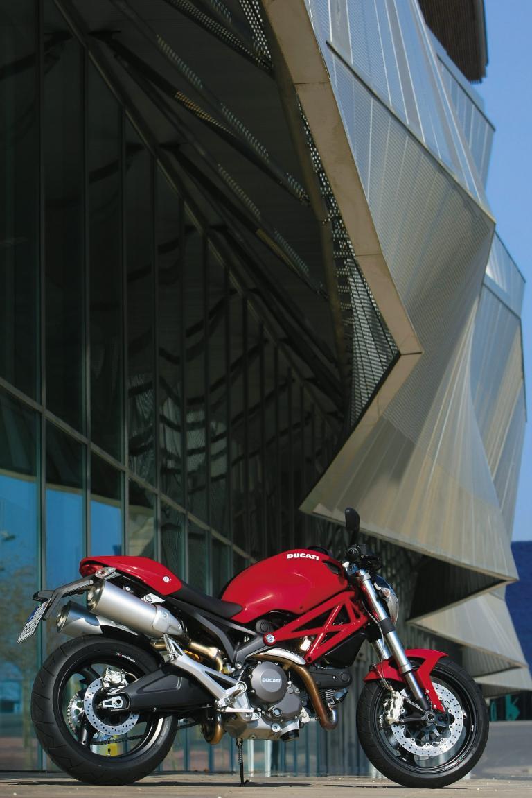 Fahrbericht Ducati Monster 696: Einstieg in die neue ÄraFahrbericht Ducati Monster 696: Einstieg in die neue Ära