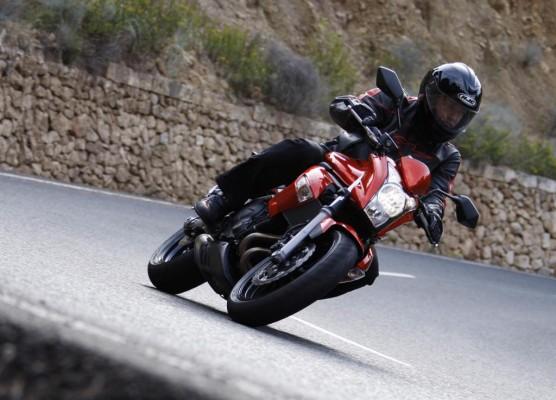 Kawasaki ER-6n schafft 200 km/h Spitze