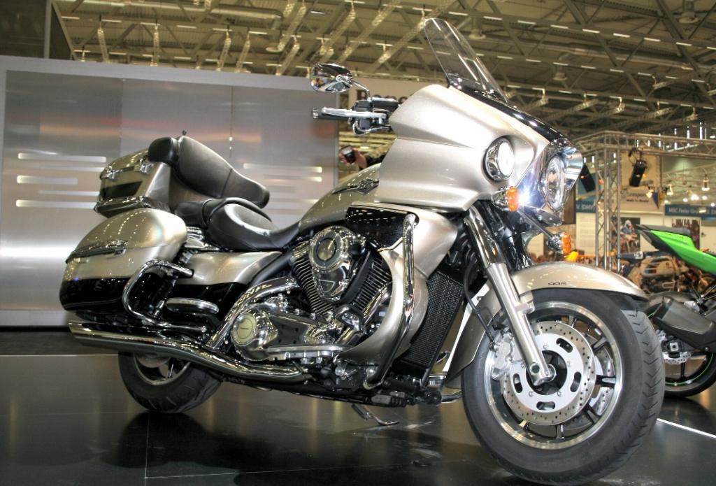 Kawasaki präsentiert VN 1700 und KLX 250