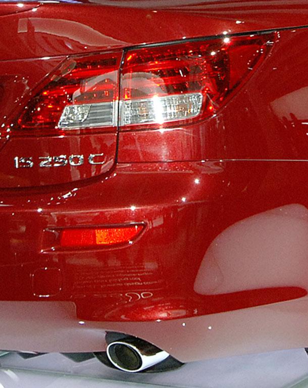 Lexus zeigt Cabriolet IS 250C und Studie LF-Xh