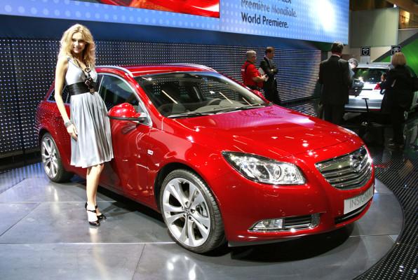 Opel Insignia Kombi ab 23 990 Euro