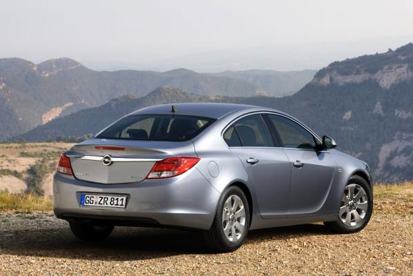 Opel Insignia als Spritsparmodell in Paris